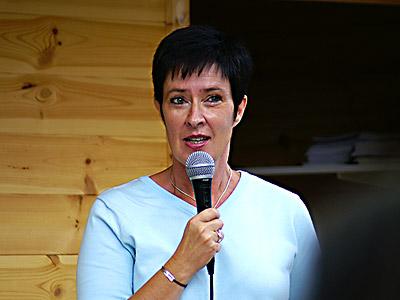 Mona Salin håller tal på stortorget ©2006 - Johan Gullberg Knytpunkt.com